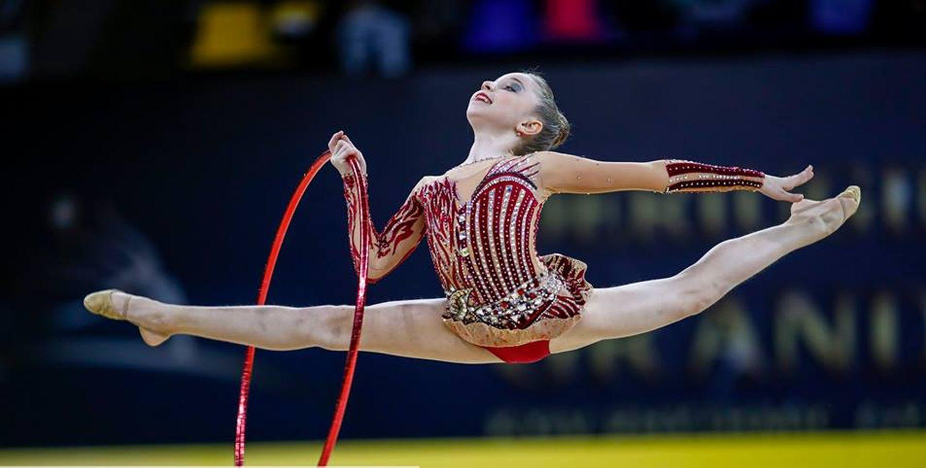când încep să câștige bani în gimnastica ritmică